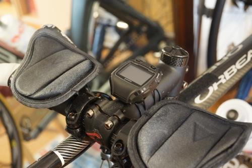 Garmin910XTのクイックリリースキットバイク取付状態