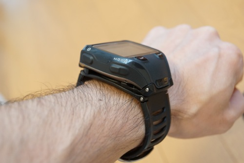 Garmin910XTのクイックリリースキット腕に着けた状態