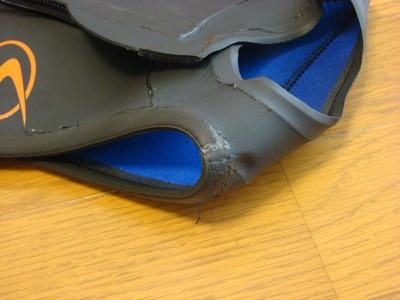 ウェットスーツの修理